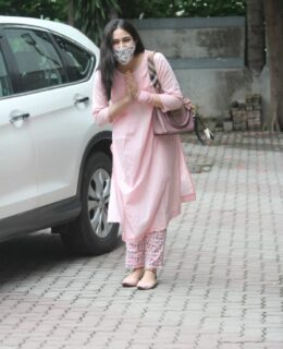 Spotted! Sara Ali Khan With Mask