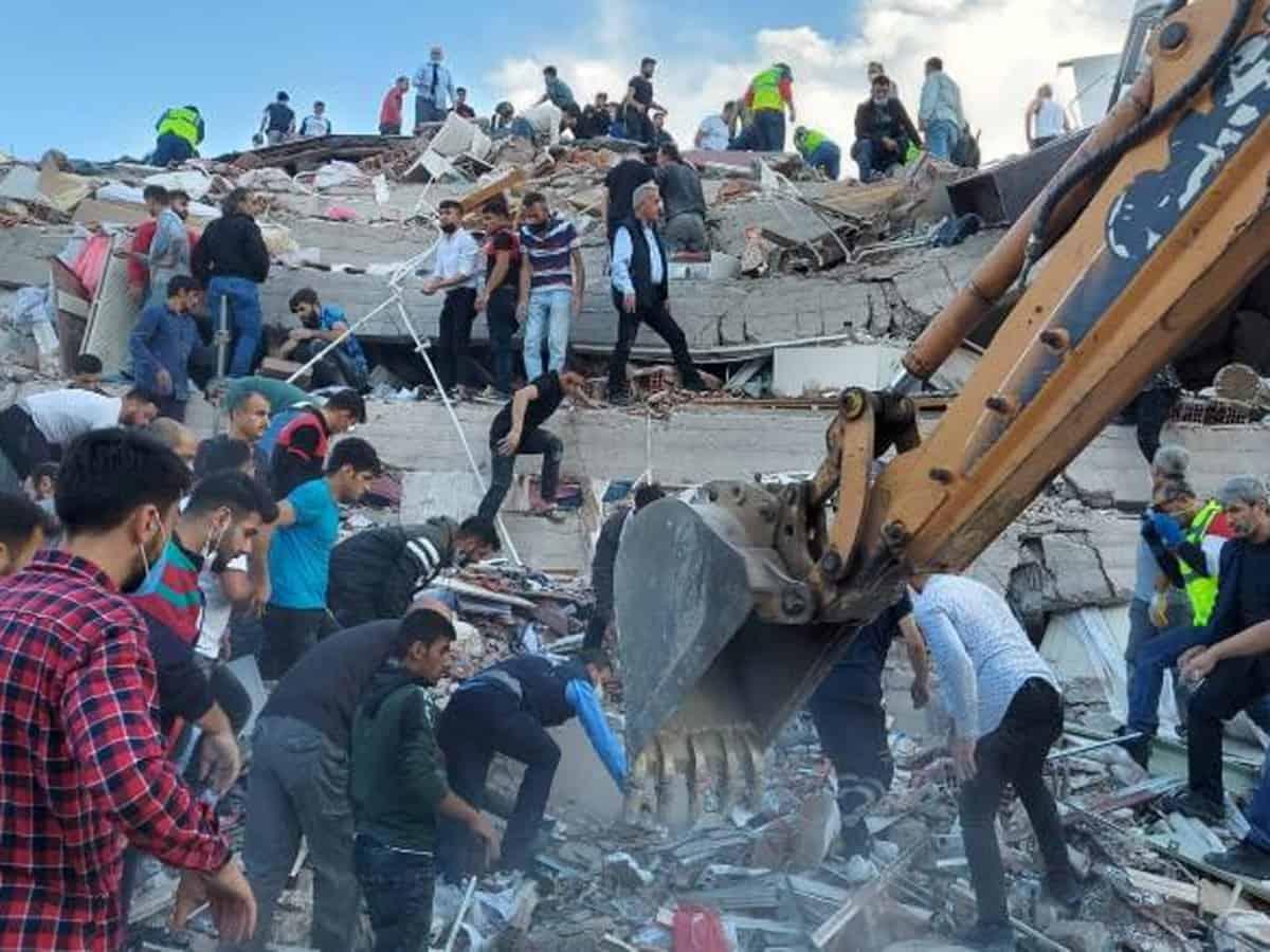 Powerful Earthquake Hits Turkey & Greece