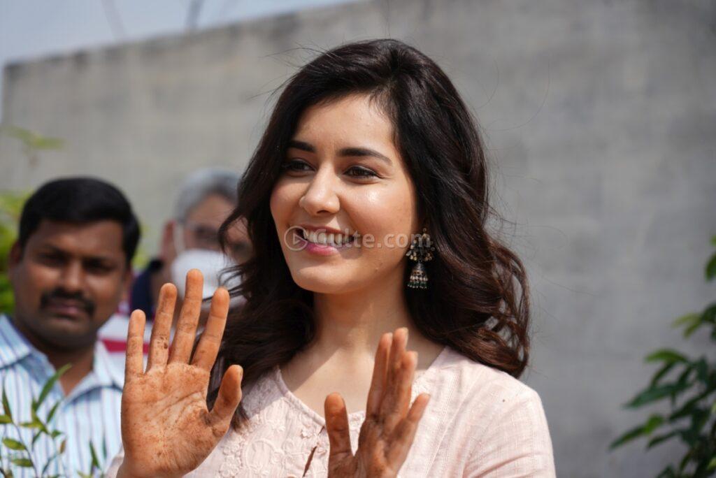 Photos: Raashi Khanna Planted Saplings On Her Birthday