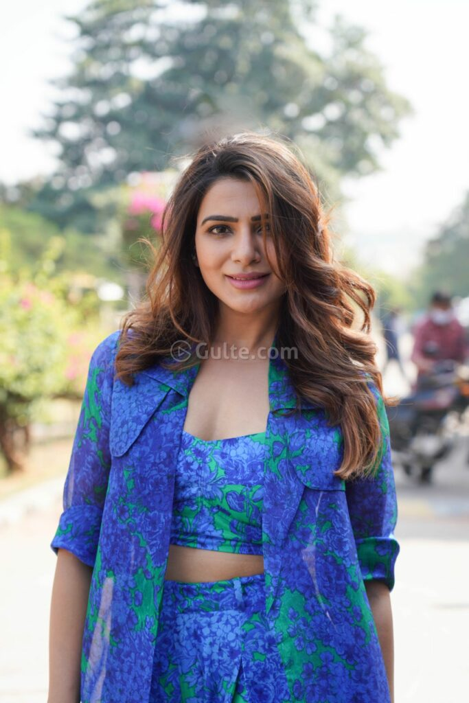 Anushka Sharma poses super hot in her sexy avatar