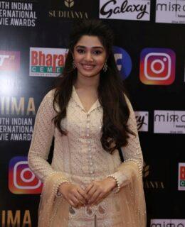 Krithi Shetty Looks AttractiveAt SIIMA Awards 2021